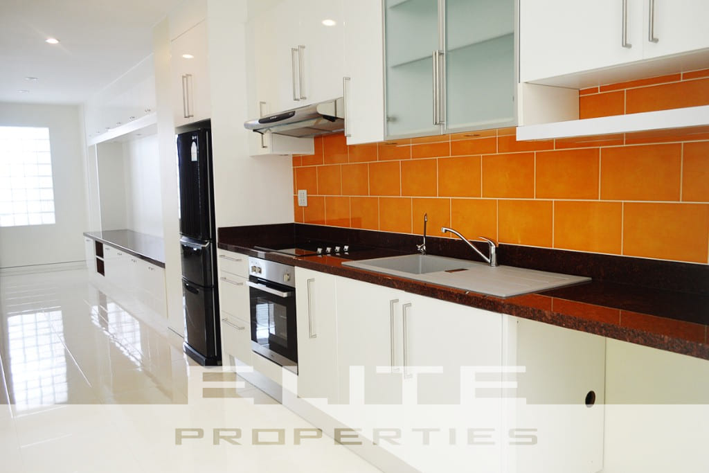 Beautifully Designed & Finished 2 Bedroom Condominium - Pratumnak