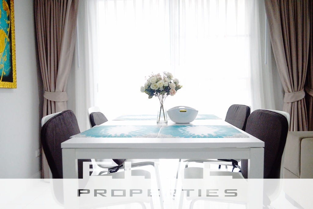 Comfortable & Convenient, Large One Bedroom in Great Location - Pratumnak